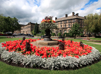 crescent gardens harrogate outside the royal baths chinese restaurant and the george hotel and the conference centre