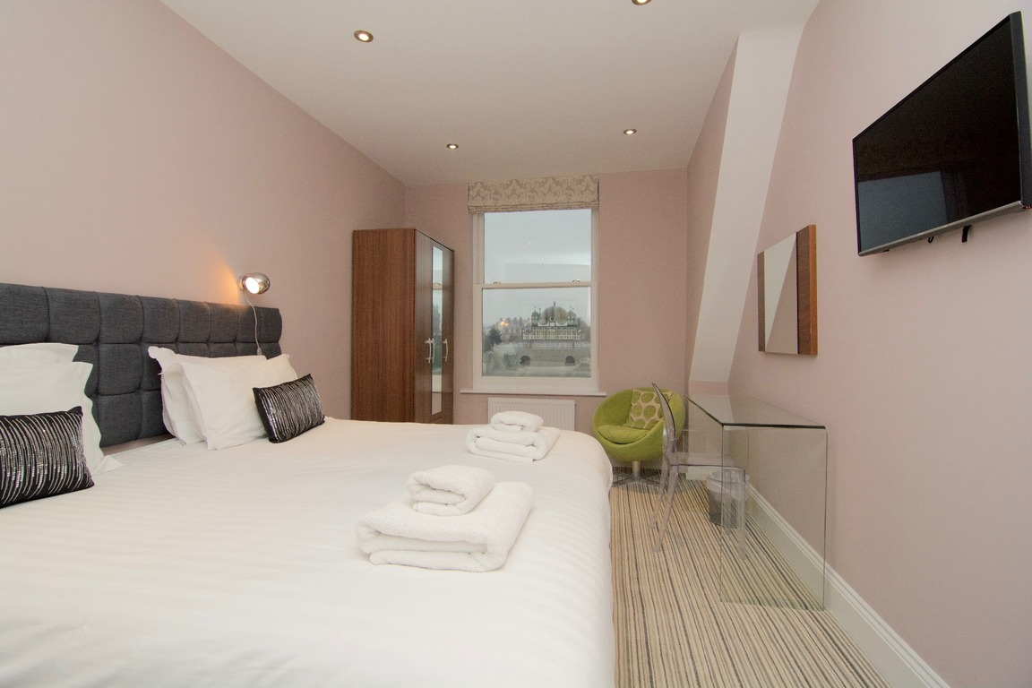 apartments to rent like a hotel in Harrogate bedrooms
