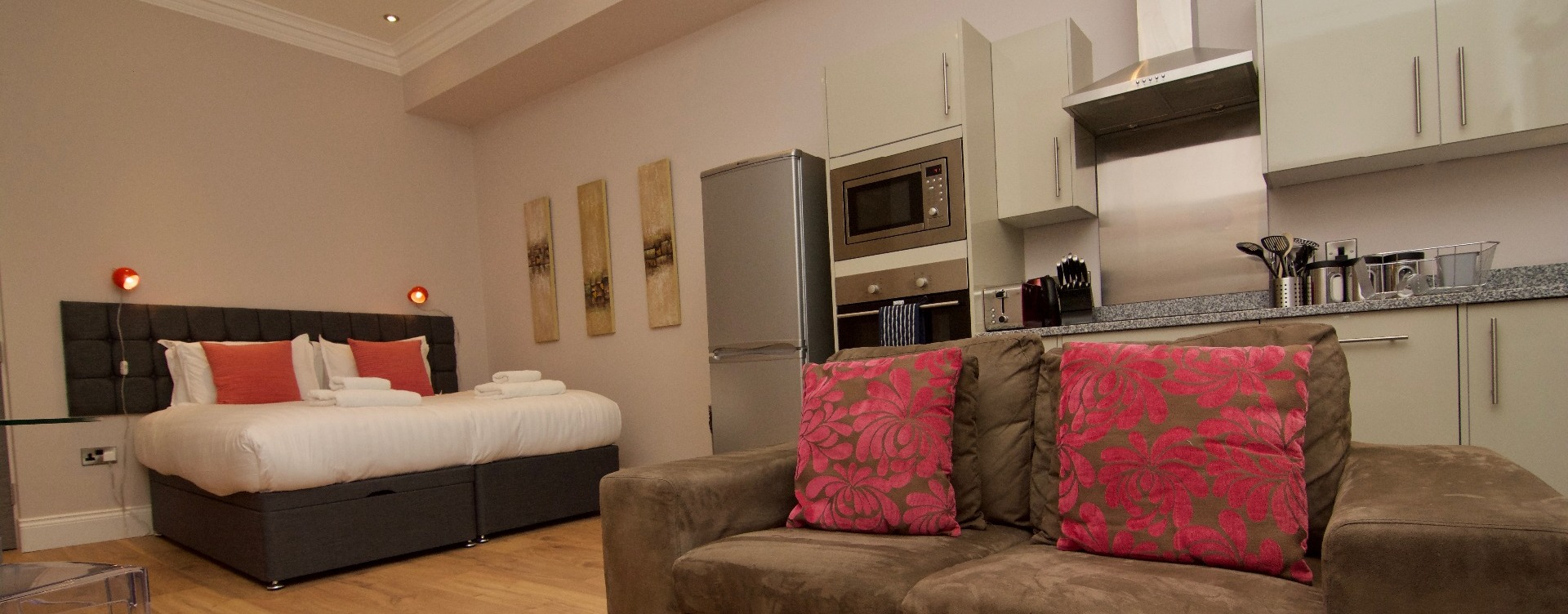 Harrogate Lifestyle Offers Stylish Studio One Bathroom Apartment For 1 Or 2  People With Double Or