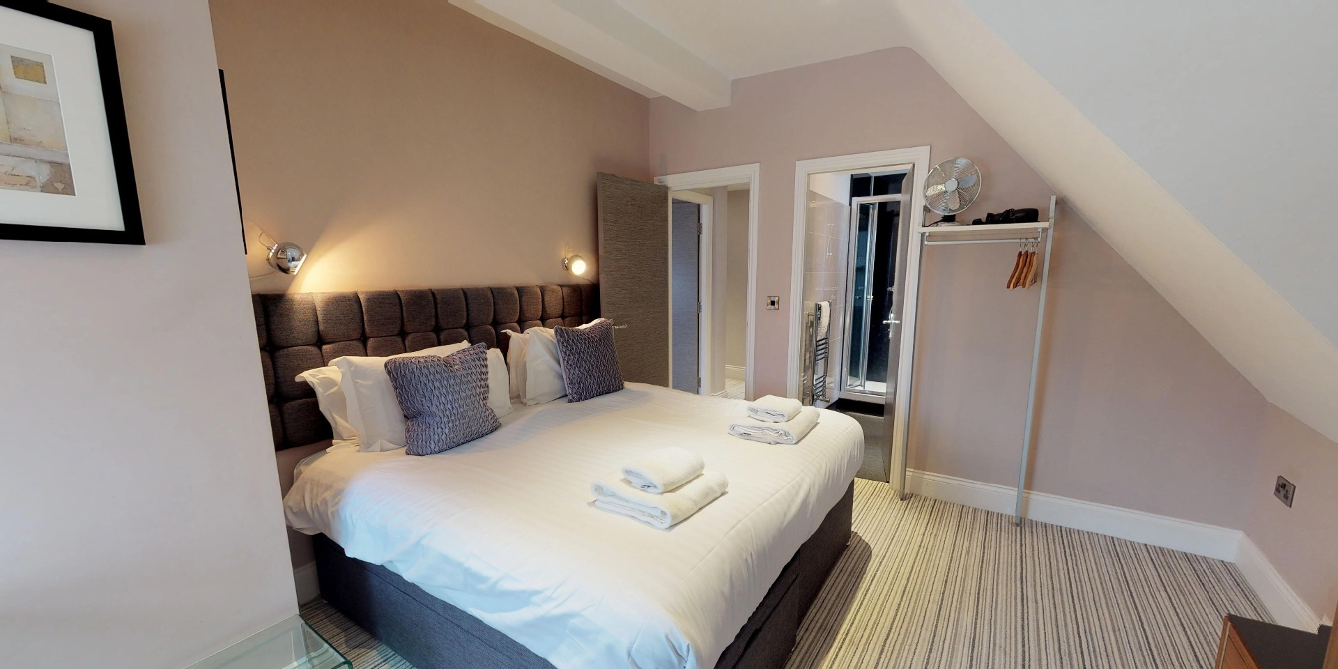 Harrogate Lifestyle offers stylish executive two bedroom two bathroom apartment for up to 4 people with double or twin bed set up facility. For Bookings Call now - 01423 568820