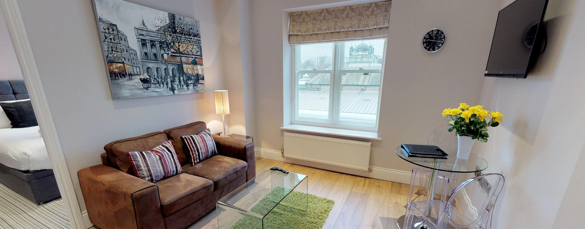 Cheap hotels in Harrogate or serviced apartments TO RENT